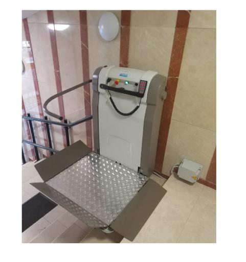 Nueva instalación de plataforma salvaescaleras - Artel Ascensores